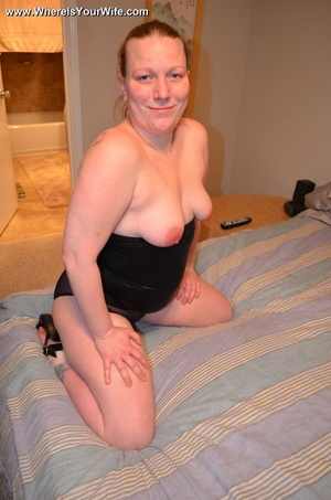 Busty ponytailed blonde mom exposing all - XXX Dessert - Picture 9