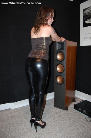 Curly redhead in skinny pants and top ex - Picture 5