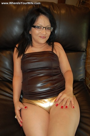 Curvy brunette mom in glasses posing in  - XXX Dessert - Picture 12