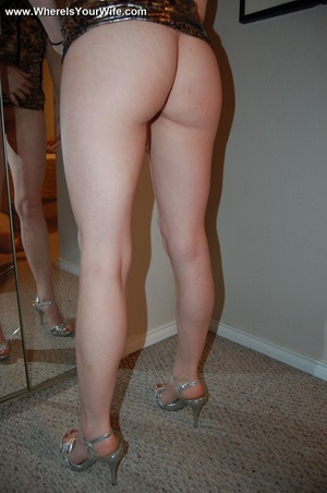 Red housewife in a skinny dress wants to - XXX Dessert - Picture 10
