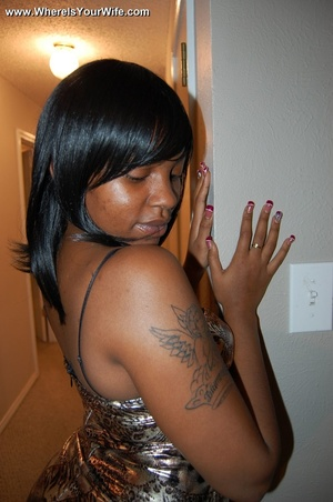 Boobilicious ebony goddess in a golden d - Picture 6