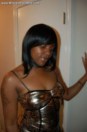 Boobilicious ebony goddess in a golden d - Picture 7