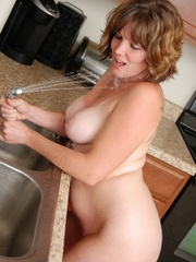 Naughty chubby tattoo chick drops towel in kitchen to - Picture 11