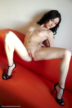 Raven-haired hottie in black high heels  - XXX Dessert - Picture 16