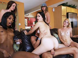 Ebony vixen and her four white chicks ha - XXX Dessert - Picture 3