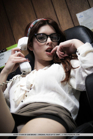Tattooed girl in glasses and nylons mast - XXX Dessert - Picture 3