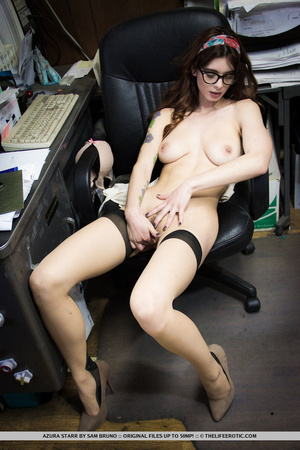 Tattooed girl in glasses and nylons mast - XXX Dessert - Picture 15
