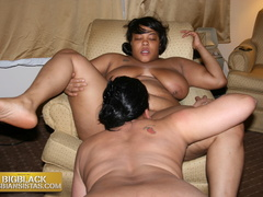 Cream serving her yummy clam chowder for lesbian lover - Picture 2