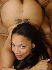 Lingerie clad Keisha Kamble has small tits and a fat ass - Picture 9