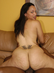 Lingerie clad Keisha Kamble has small tits and a fat ass - Picture 16