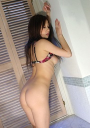 delicious damsel ditching her