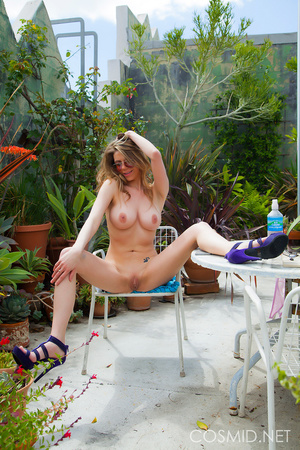 Hot sun scorches blond in the garden, sh - XXX Dessert - Picture 15