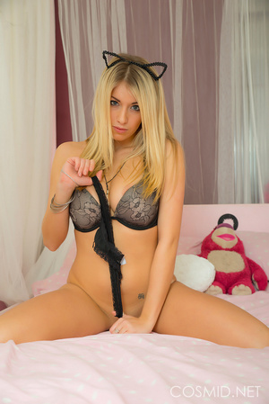 Blond temptress wants you in her boudoir - XXX Dessert - Picture 11