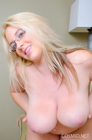 Charming blond with a nice looking glory - XXX Dessert - Picture 15