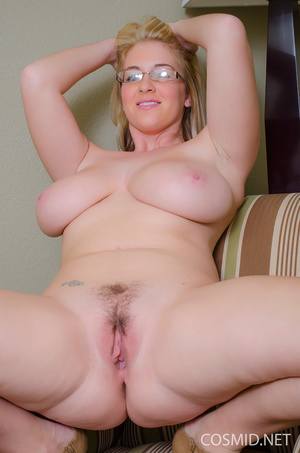 Charming blond with a nice looking glory - XXX Dessert - Picture 16