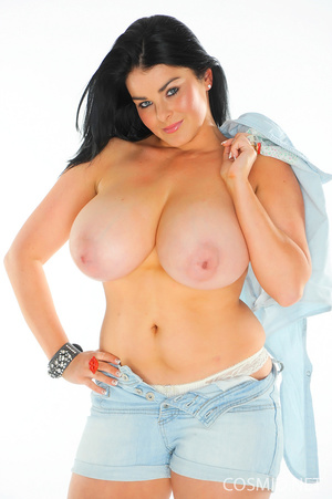 All that denim could not disguise what's - XXX Dessert - Picture 7
