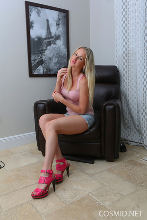 Blond in  tank top strips down to show a - XXX Dessert - Picture 1