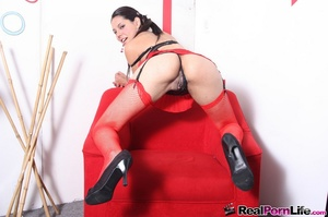 Charming chick in black and red negligee - XXX Dessert - Picture 8
