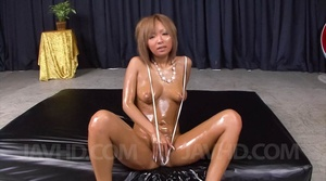 Captivating vamp gets lubed and ready fo - XXX Dessert - Picture 2