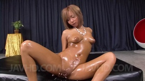 Captivating vamp gets lubed and ready fo - XXX Dessert - Picture 4