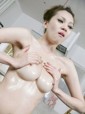 Lubed babe vibed and facialed at the din - XXX Dessert - Picture 2