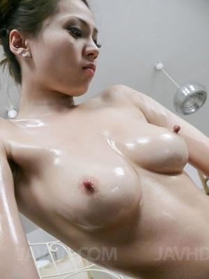 Lubed babe vibed and facialed at the din - XXX Dessert - Picture 3