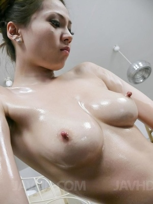 Chiquita gets showered with fresh semen  - XXX Dessert - Picture 3
