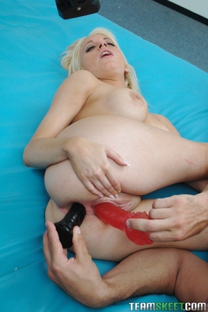 Wild milf girl  gives out a perfect blow - XXX Dessert - Picture 8