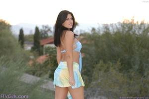 Pornstar Nikki Loren upskirt in public - XXX Dessert - Picture 7