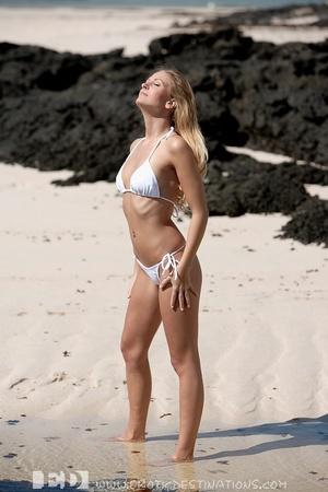 Slim sexy small tits blonde angel drops  - XXX Dessert - Picture 1