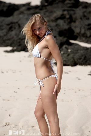 Slim sexy small tits blonde angel drops  - XXX Dessert - Picture 3