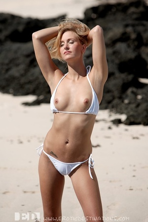 Slim sexy small tits blonde angel drops  - XXX Dessert - Picture 4
