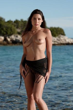 Pretty nude damsel wrapped in black clot - XXX Dessert - Picture 3