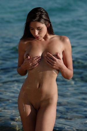 Pretty nude damsel wrapped in black clot - XXX Dessert - Picture 17