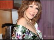 brunette elsa cameltoe