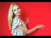 blonde teen roxycamx roleplay
