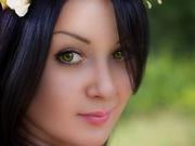 brunette leedia