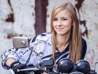 blonde teen 18ameliya roleplay