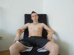 25 yo, gay live sex, short hair, white