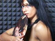 brunette djulia52 oil