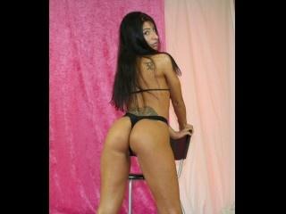 brunette naoimi live orgasm