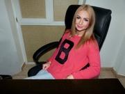 blonde fashiondoll cameltoe