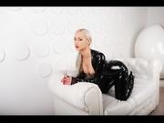 blonde moloko strap
