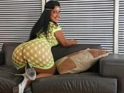 brunette latinbeautyx11 anal sex