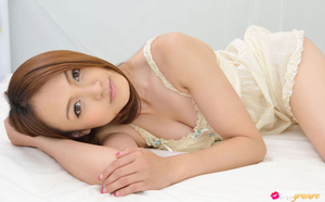 Cutie in a white nightie and panties poses on white sheets. - XXXonXXX - Pic 5