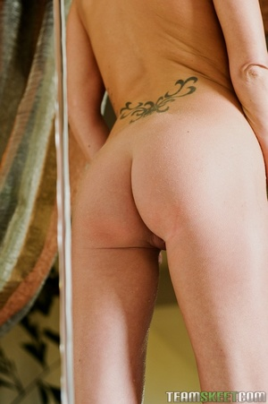 Sumptuous hussy with a tramp stamp gets  - XXX Dessert - Picture 6