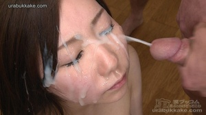 Several men surround this slut and shoot - XXX Dessert - Picture 6