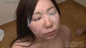 Several men surround this slut and shoot - XXX Dessert - Picture 7