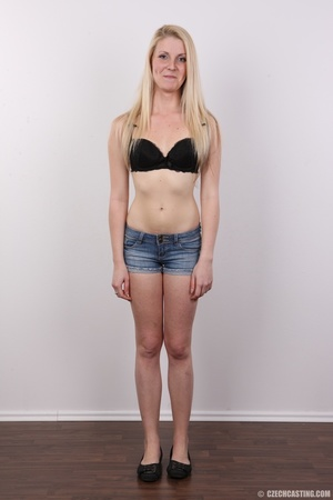 Small-titted blondie stands her chance a - XXX Dessert - Picture 4