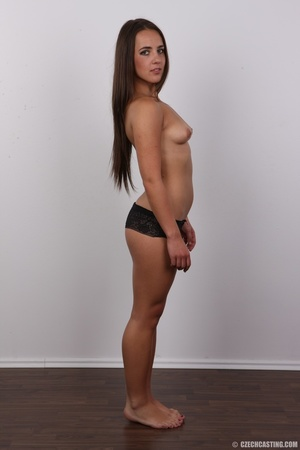 Tanned brunette chick with long hair loo - XXX Dessert - Picture 10